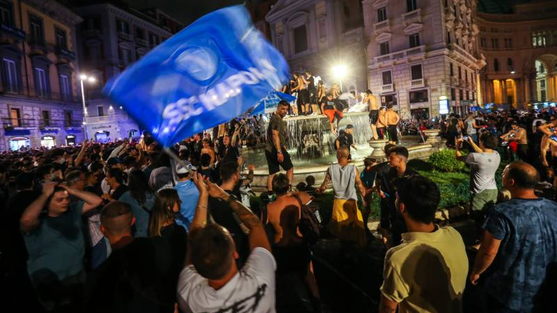 Napoli fans swarm onto streets to celebrate Italian Cup win