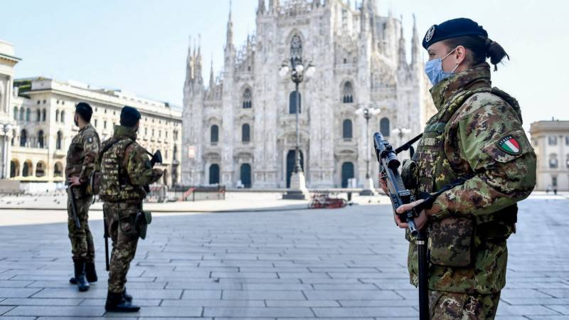 Italy sees virus 'warning signs' after Rome outbreaks