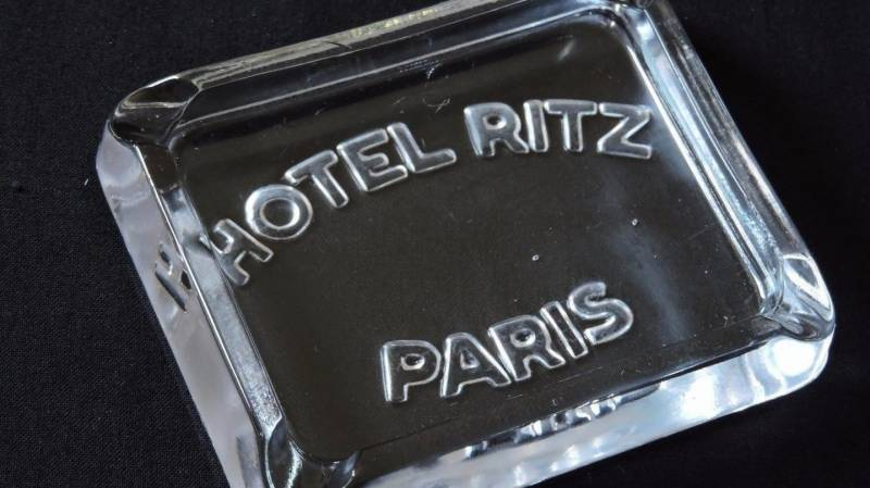 Paris Ritz sells off its silver... and ashtrays