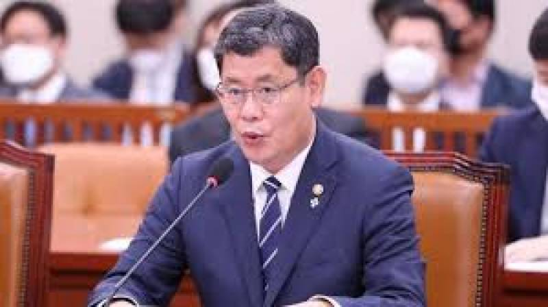 South Korea's minister resigns over North tensions