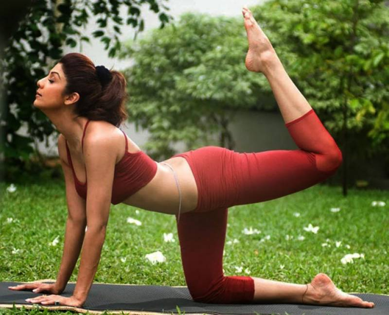 Shilpa Shetty motivates fans to stay fit in COVID-19