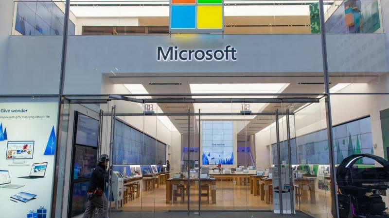 Microsoft to permanently close its retail stores