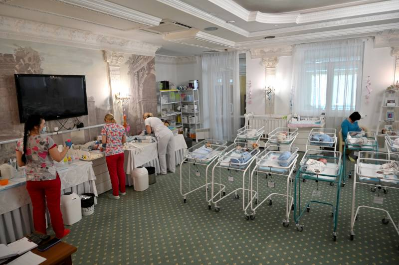 As surrogacy booms, fears Ukraine becoming 'online baby store'