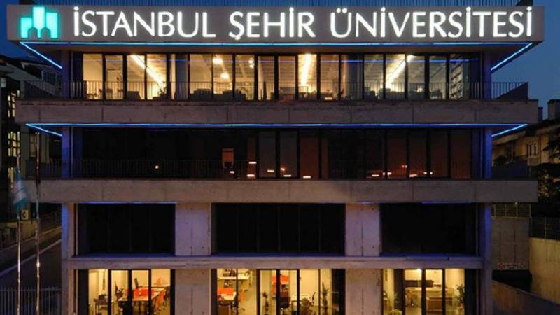 Erdogan shuts down university linked to rival