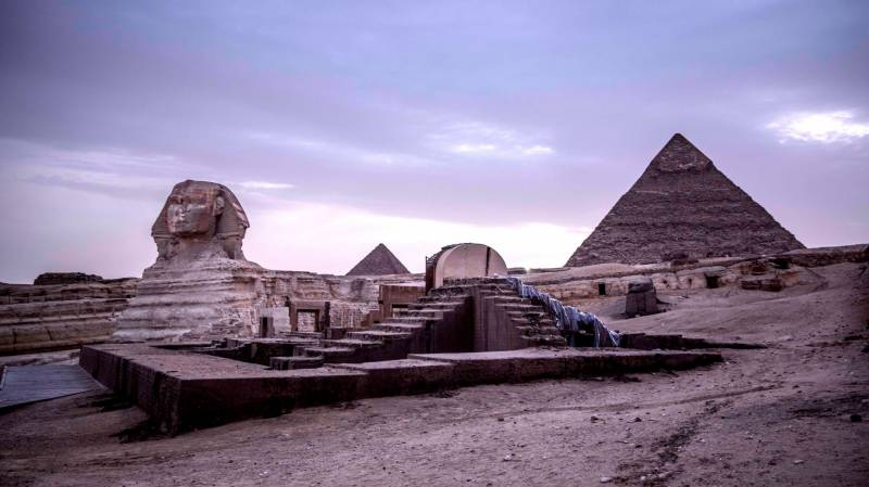 Egypt reopens pyramids to tourists after virus closure