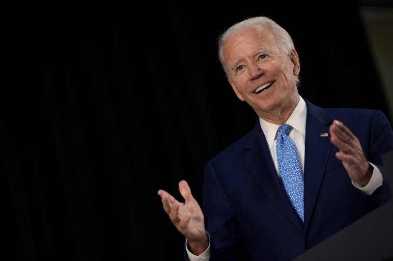 Biden campaign outraises Trump for second straight month