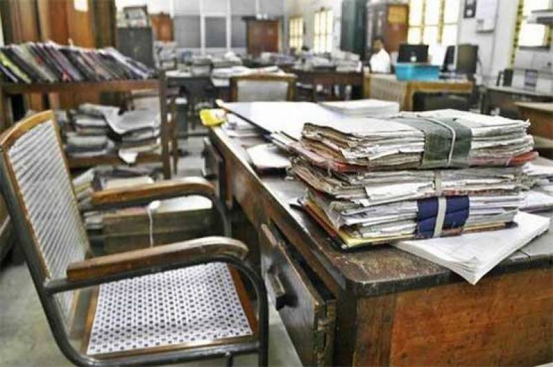 Federal govt extends revised office timings till July 31