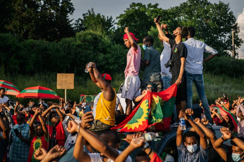 Two killed as soldiers block mourners from Ethiopian singer's funeral