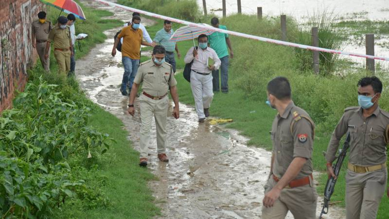 Furore after Indian police shoot gangster dead