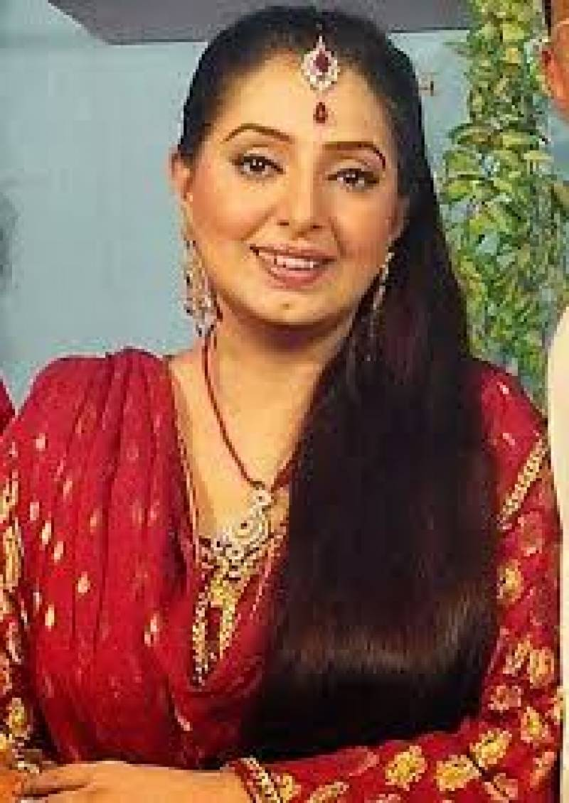 Stage actress Rubi Anam suffers heart attack