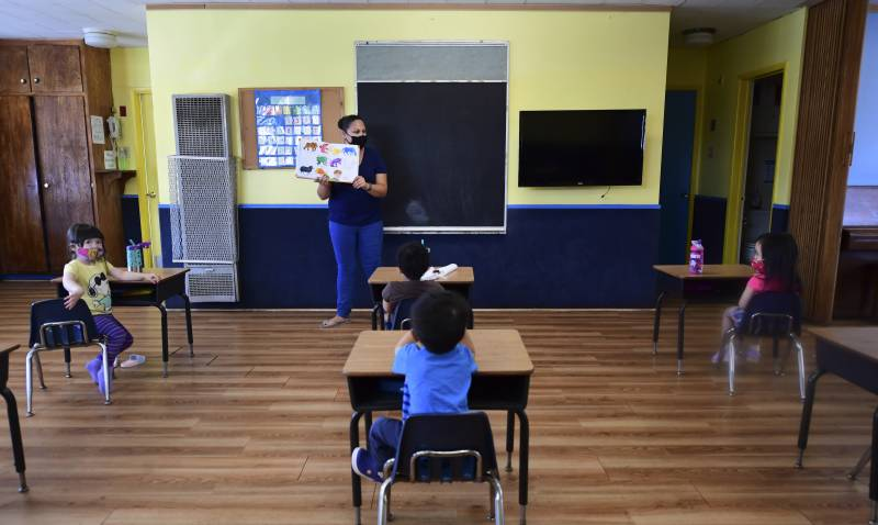 Parents face dilemma as US schools seek to reopen