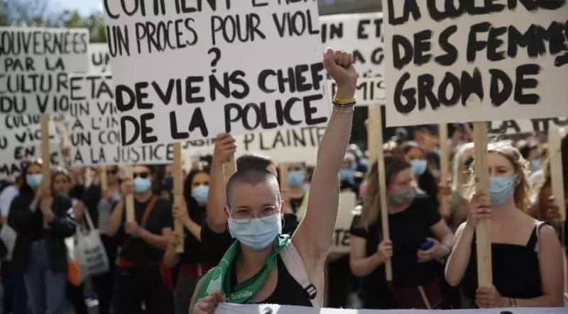 Thousands protest in France over minister investigated for rape