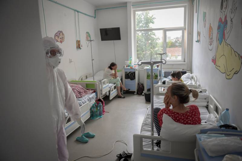 Romanian doctors fight surge in virus cases and conspiracy theories