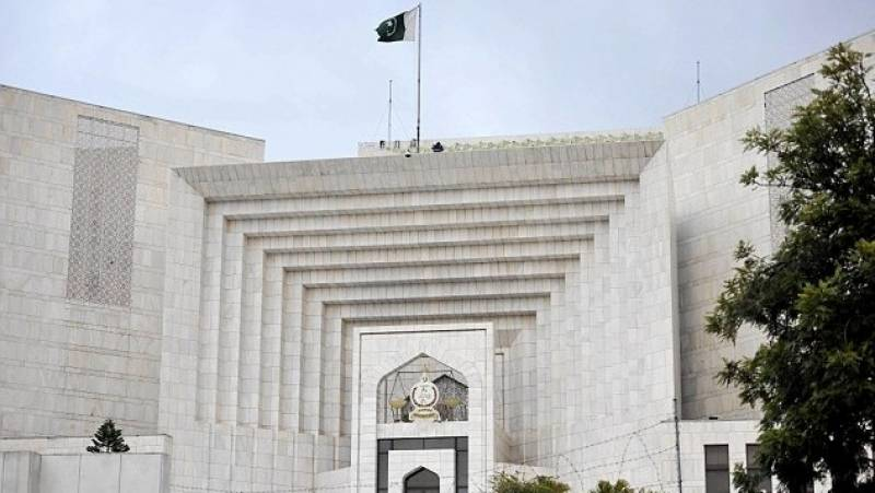 SC tells PIA chief to bring pilots case to court