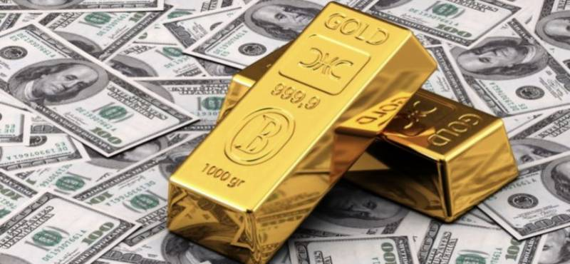 Gold shatters another record, one-tola price reaches Rs118,700