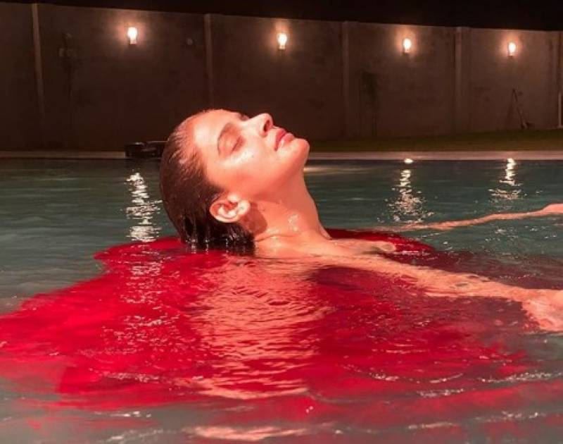 Saba Qamar's sizzling pool picture goes viral