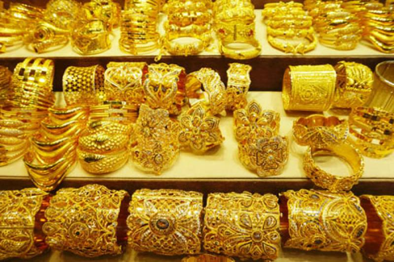 Gold rate rises to record Rs123,600 per tola