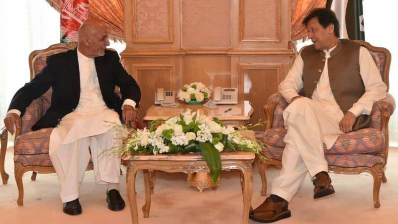 Ghani, Imran discuss regional peace over phone
