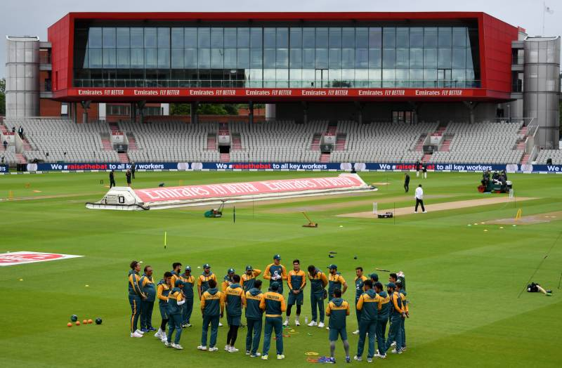 Pakistan win toss, elect to bat against England