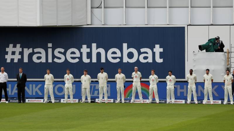 Pakistan, England pay tribute to Covid-19 victims