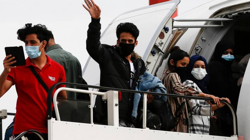 Greece begins migrant repatriation flights