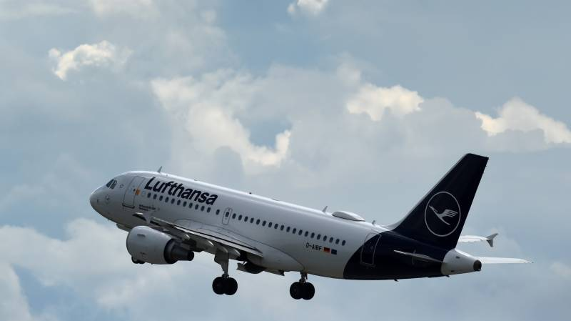 Lufthansa warns of forced layoffs on virus turbulences