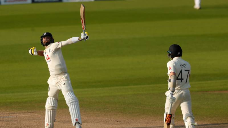 Woakes, Buttler lead England to stunning win over Pakistan in first Test