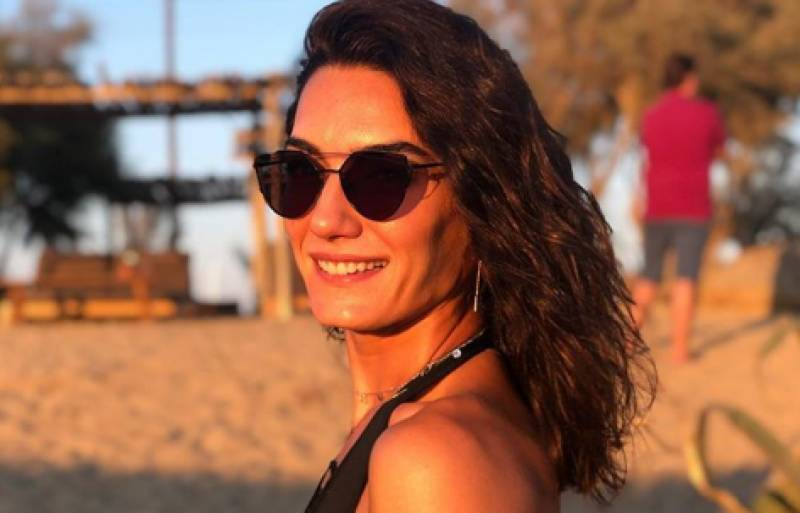 Ertugrul actress Hande Subasi shares bold pictures with her boyfriend