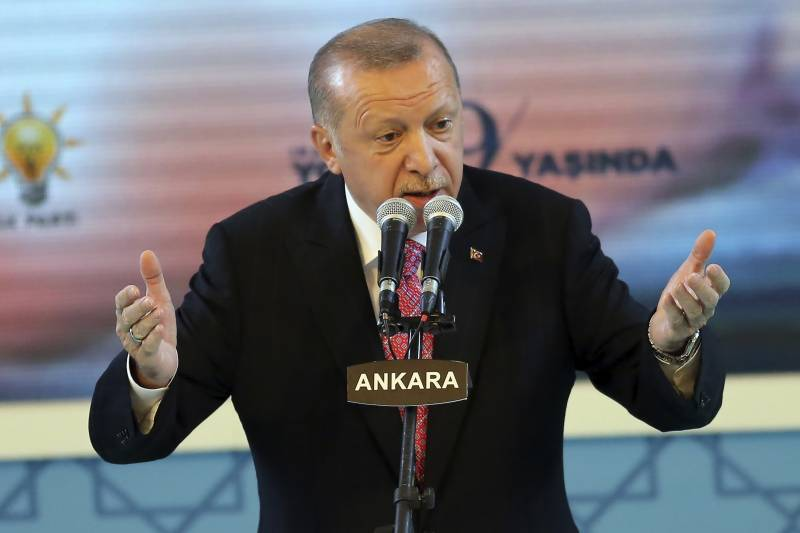 Erdogan threatens to sever ties with UAE over Israel deal