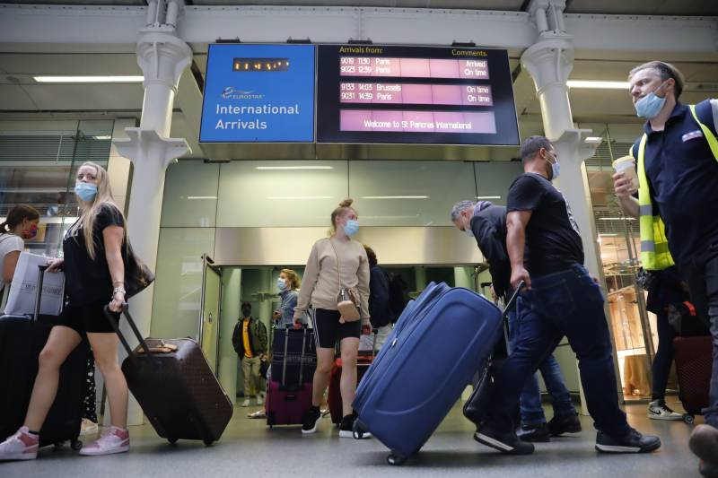 Britons rush home as second virus wave threatens Europe