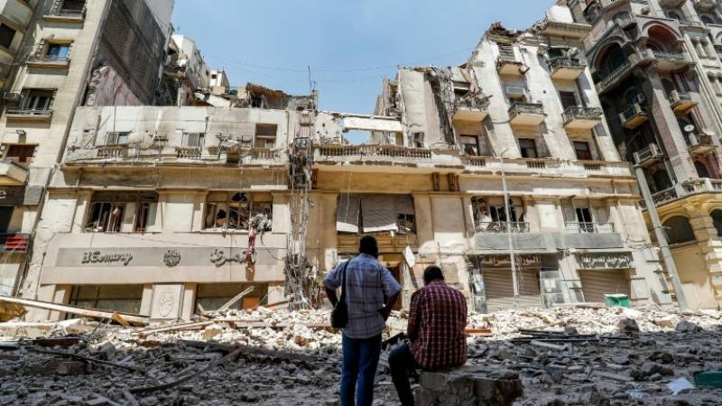 Historic downtown Cairo building collapse injures 5
