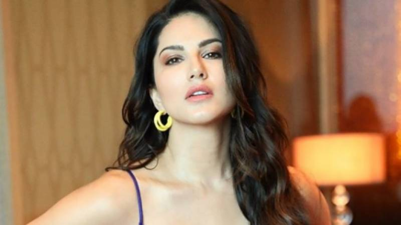 Sunny Leone's new swimming video goes viral