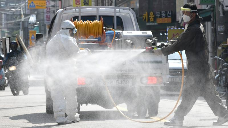 South Korea tightens restrictions in Seoul area to tackle virus surge