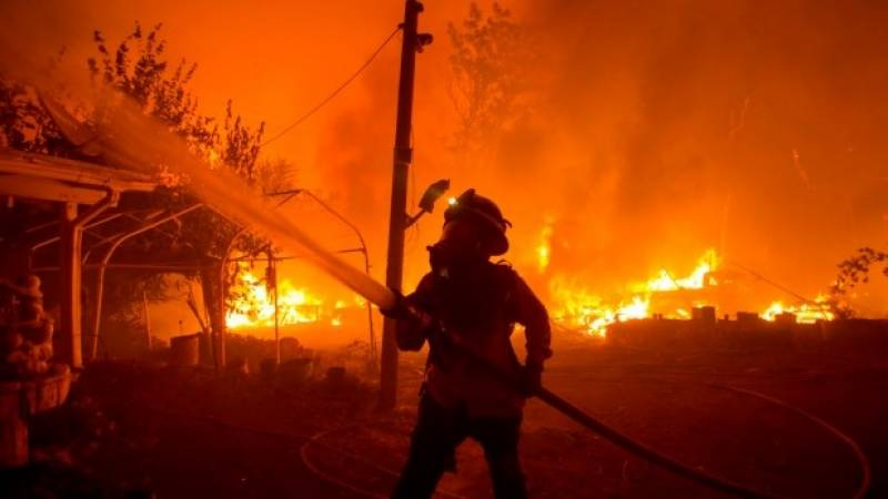 State of emergency as lightning triggers California wildfires