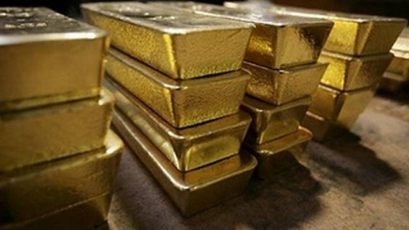 Gold price decreases by Rs2,500 per tola