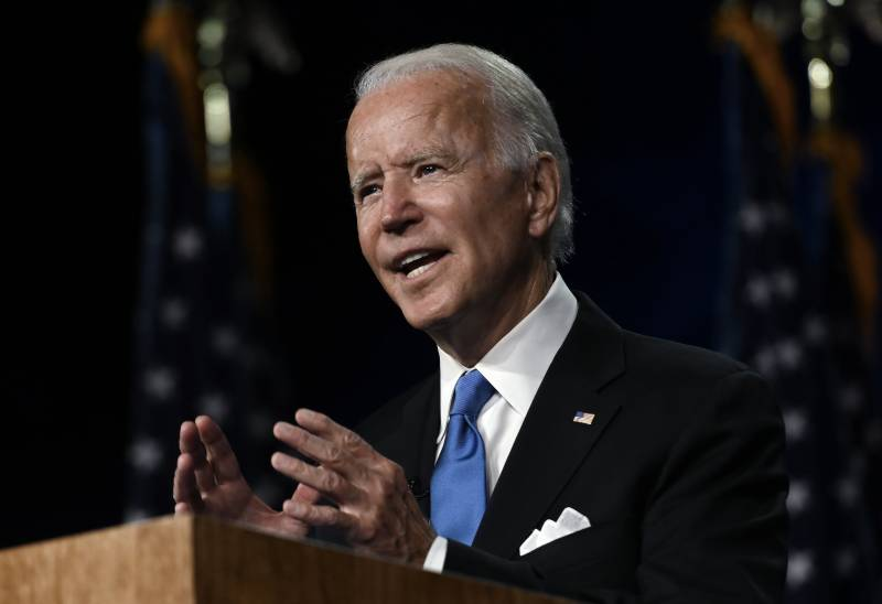 Biden pledges to end US 'darkness' in accepting Democratic nomination