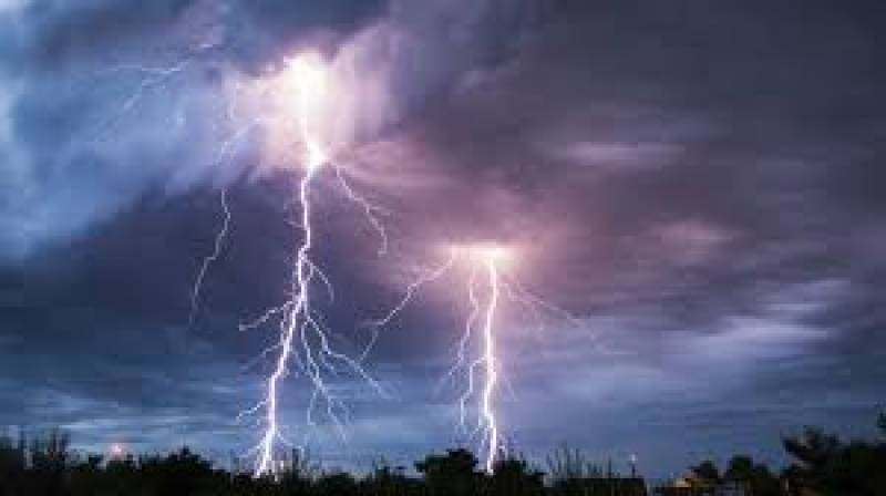 Lightning strikes kill four in Sindh