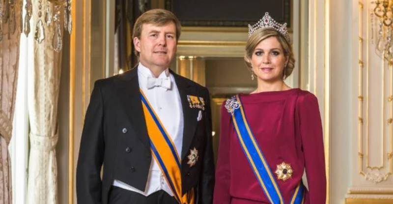 Dutch royals sorry for Greek holiday virus breach