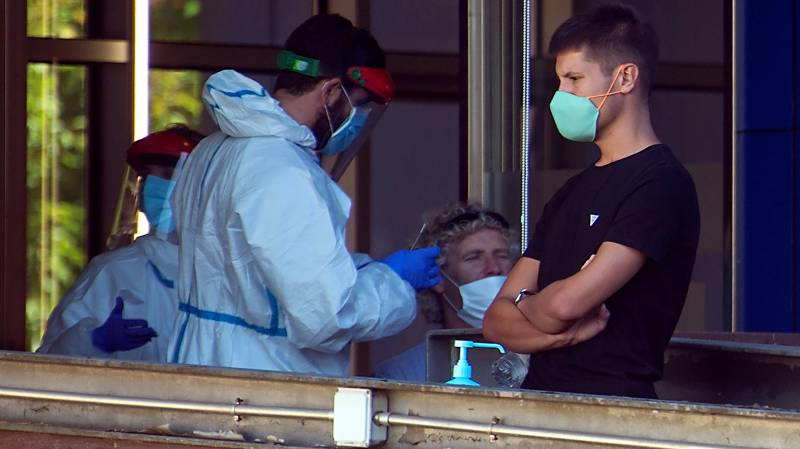 Spain calls in army to fight virus pandemic
