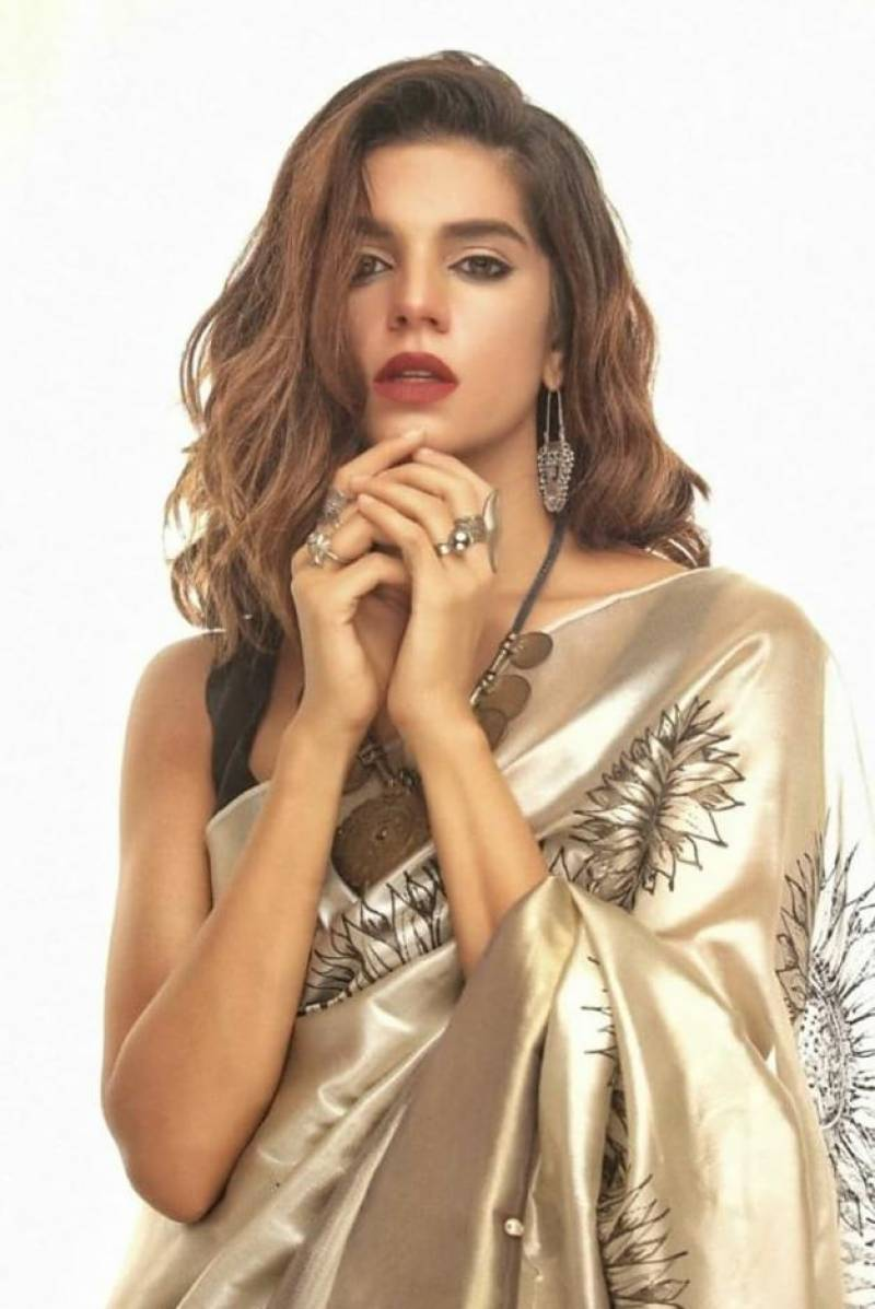 Golden girl Sanam Saeed's latest shoot wins hearts of fans