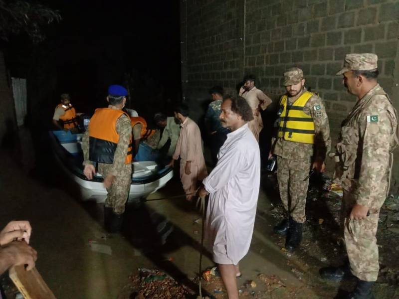 COAS directs Karachi Corps to step up flood relief operations