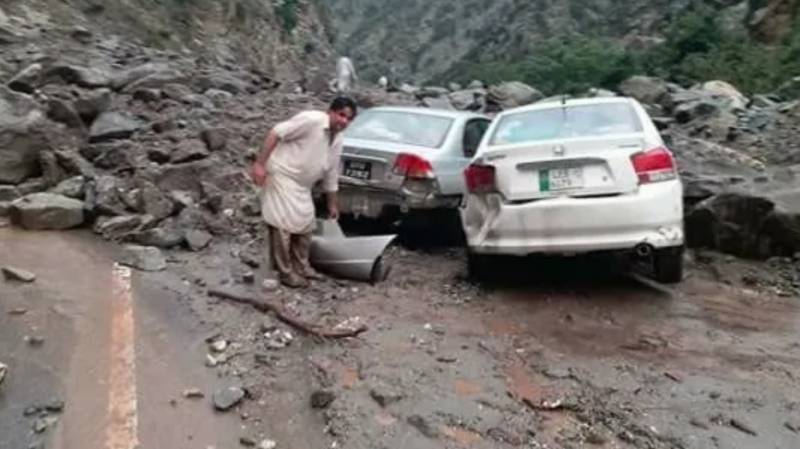 SOS call from tourists stranded in northern areas