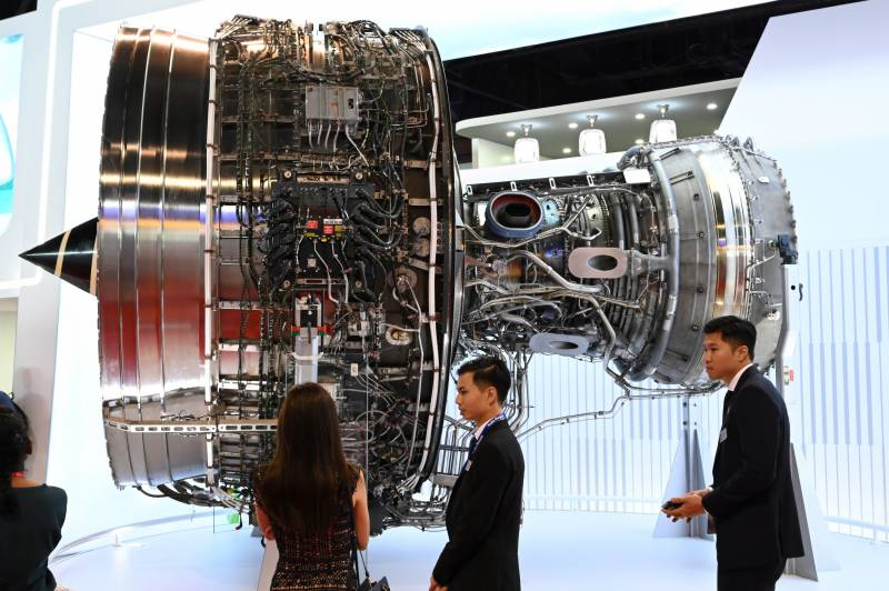Aerospace giant Rolls-Royce logs £5.4 billion H1 loss on virus