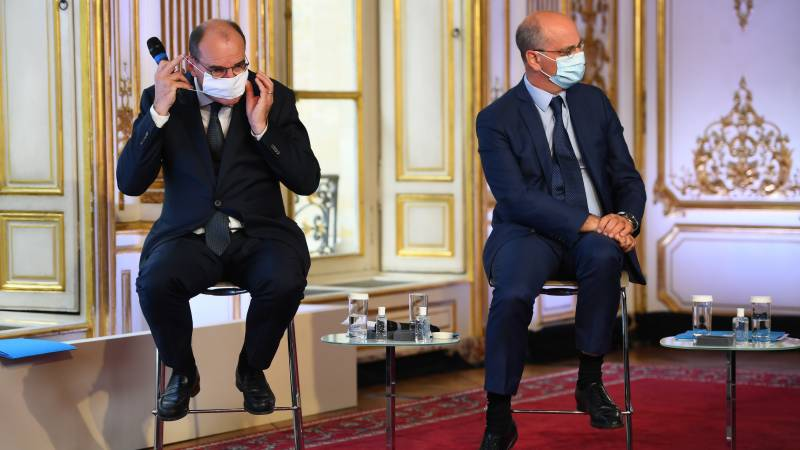 Masks compulsory in all Paris as virus cases rise