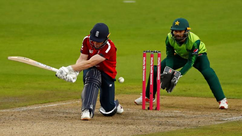 Pakistan fight back to hold England to 131-6 in washed out T20