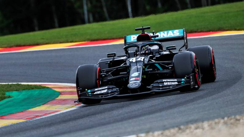 Hamilton powers to majestic Belgian pole as Ferrari struggle