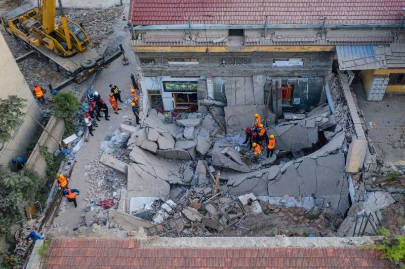 Death toll in China restaurant collapse climbs to 29