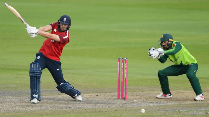 Morgan leads England to Pakistan victory in second T20