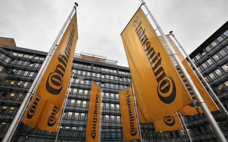 Continental expands restructuring, hitting 30,000 jobs