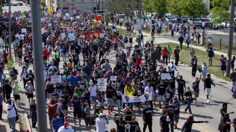 Protests after LA police kill black man over altercation